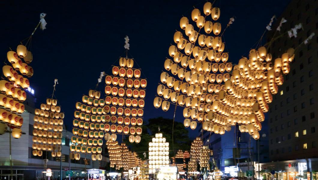 Akari ×ร้อยขั้นตอนการจัดนิทรรศการบันไดเทศกาลโคมไฟ 2017 Akita เสาของทุน