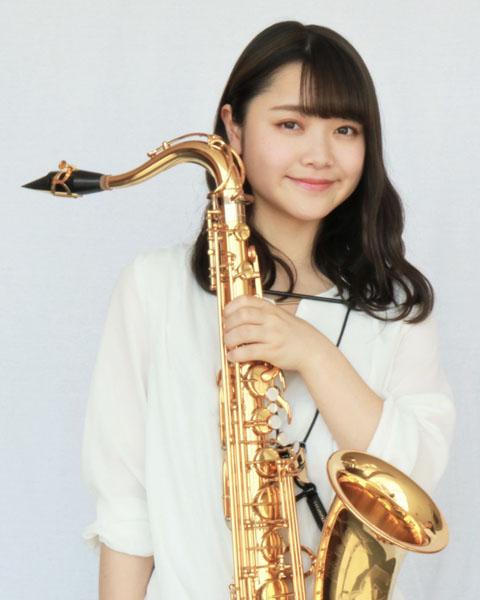 塚田恵理/Tenor Saxophone